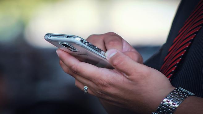 Las empresas de telecomunicaciones se saltan los límites del roaming fuera de la UE